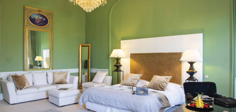 Amura,Agde,AmuraWorld,Amura Yachts,Chateau de Rochegude, The rooms combine the Middle Ages with modernity.